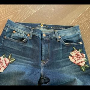 7 FOR ALL MANKIND THE SKINNY FLORAL ACCENT JEAN 31